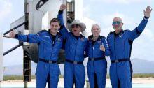 قد لا يحصل بيزوس وطاقم سفينه الفضاء بلو أوريجن على شهادة بأنهم مؤهلون كرواد فضاء