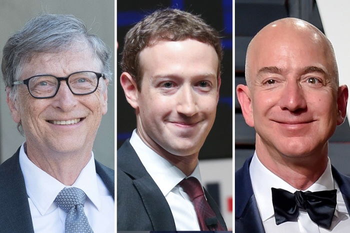 ملياردرات شركات التكنولوجيا من اليسار بيل جيتس مايكروسوفت، مارك زكربيرج فيسبوك، جيف بيزوس أمازون وهو أغني رجل في العالم