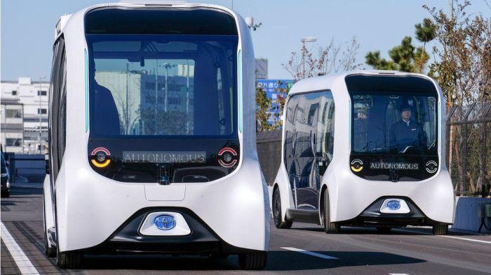 سيارات تويوتا ذاتية القيادة من طراز e-Palette والتي تم استخدامها خلال دورة الألعاب الأوليمبية في طوكيو عام 2021