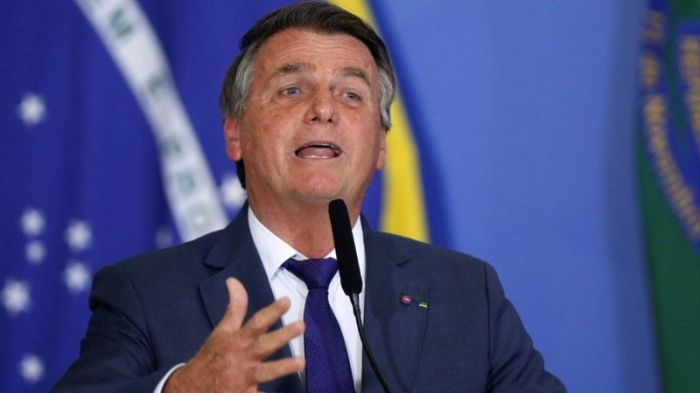 مواقع تواصل حذفت من قبل منشورات للرئيس البرازيلي