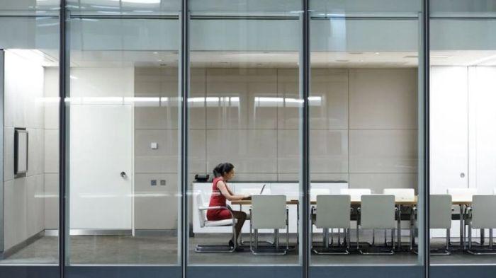 القيام بعمل جاد لا يكفي وحده لأن يلاحظك المشرفون والمديرون