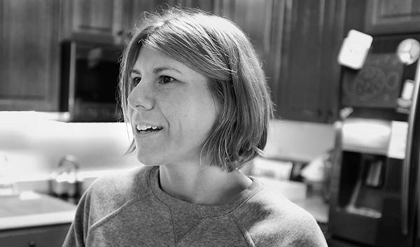 بعد أن تركت وظيفتها في وكالة الأمن القومي في عام 2014 ، عملت لوري ستراود كعاملة استخبارات تعاقدية في الإمارات العربية المتحدة. قالت ستراود ، التي تعيش الآن في مكان غير معلوم في أمريكا ، إن المهمة تجاوزت الحدود عندما علمت أن وحدتها كانت تتجسس على الأمريكيين.