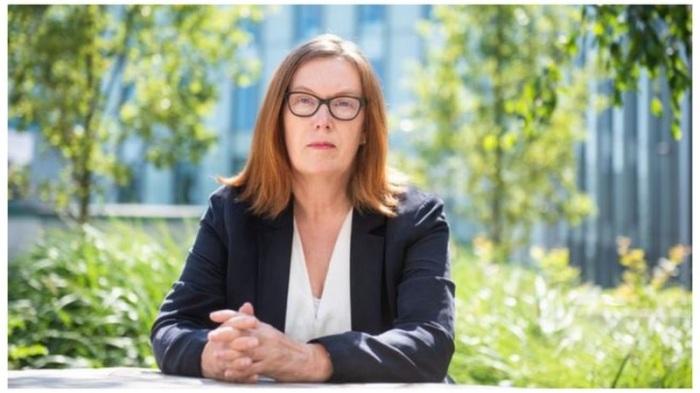 بروفيسورة سارة جلبرت تقول إن مفعول اللقاح قوي بعد مرور سنة