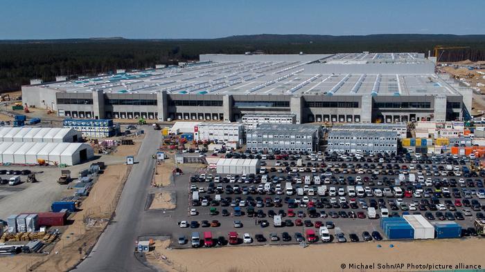 مصنع تسلا قيد الانشاء في غرونهايدا قرب برلين