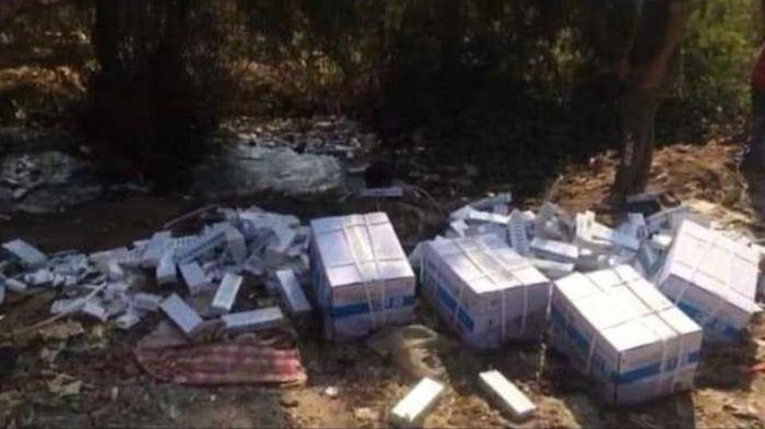 السلطات المصرية تحقق في آلاف من عبوات لقاح كورونا ملقاه في القمامة